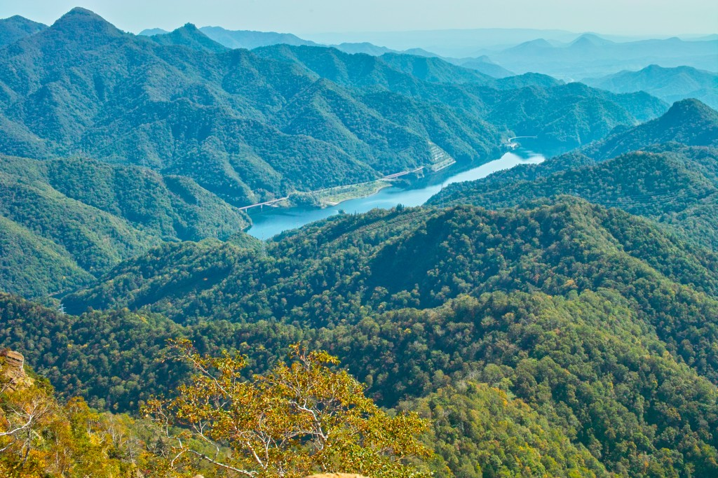さっぽろ湖(小樽内川)定山渓天狗岳山頂より